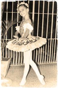 Acela Moras - Biografia